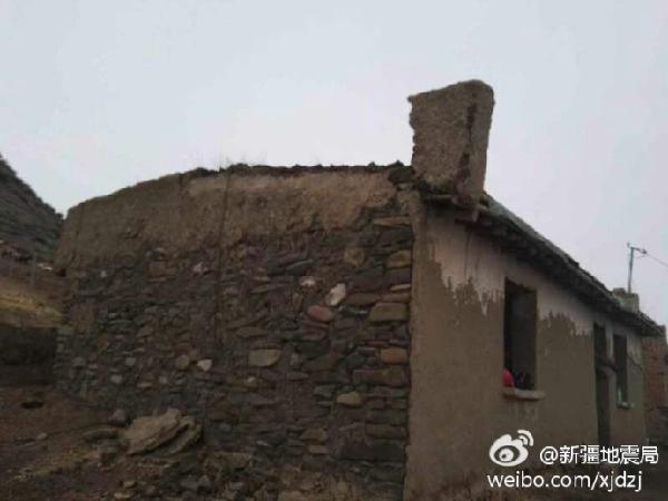 震区雀儿沟镇土木结构房屋部分损坏